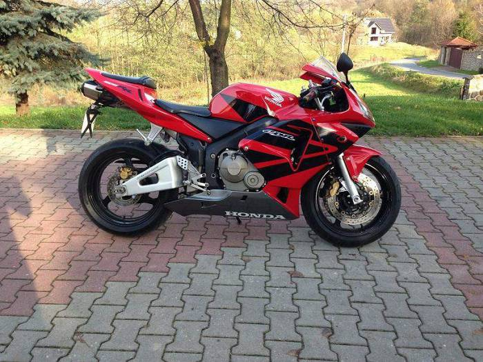 honda cbr 600 rr sprzedam motocykl sportowy. Black Bedroom Furniture Sets. Home Design Ideas